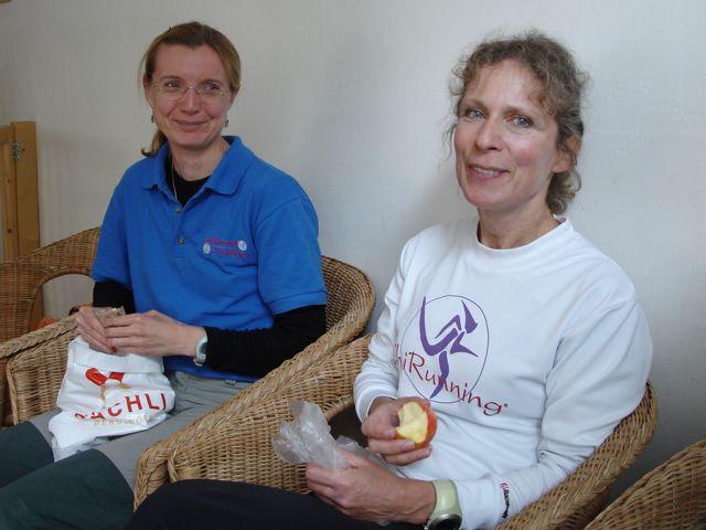 Fiona McLellan (künftige ChiRunning-Instrukteurin in Zürich) und Marion Meesters